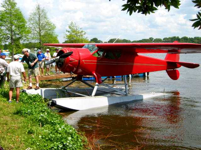 Seaplane Arrival at the Splash-In