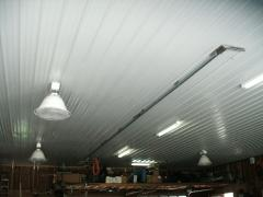 Ceiling and lighting in hangar